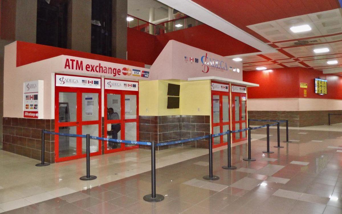 Geldautomaten & Wechselstube am Flughafen Havanna (2020)